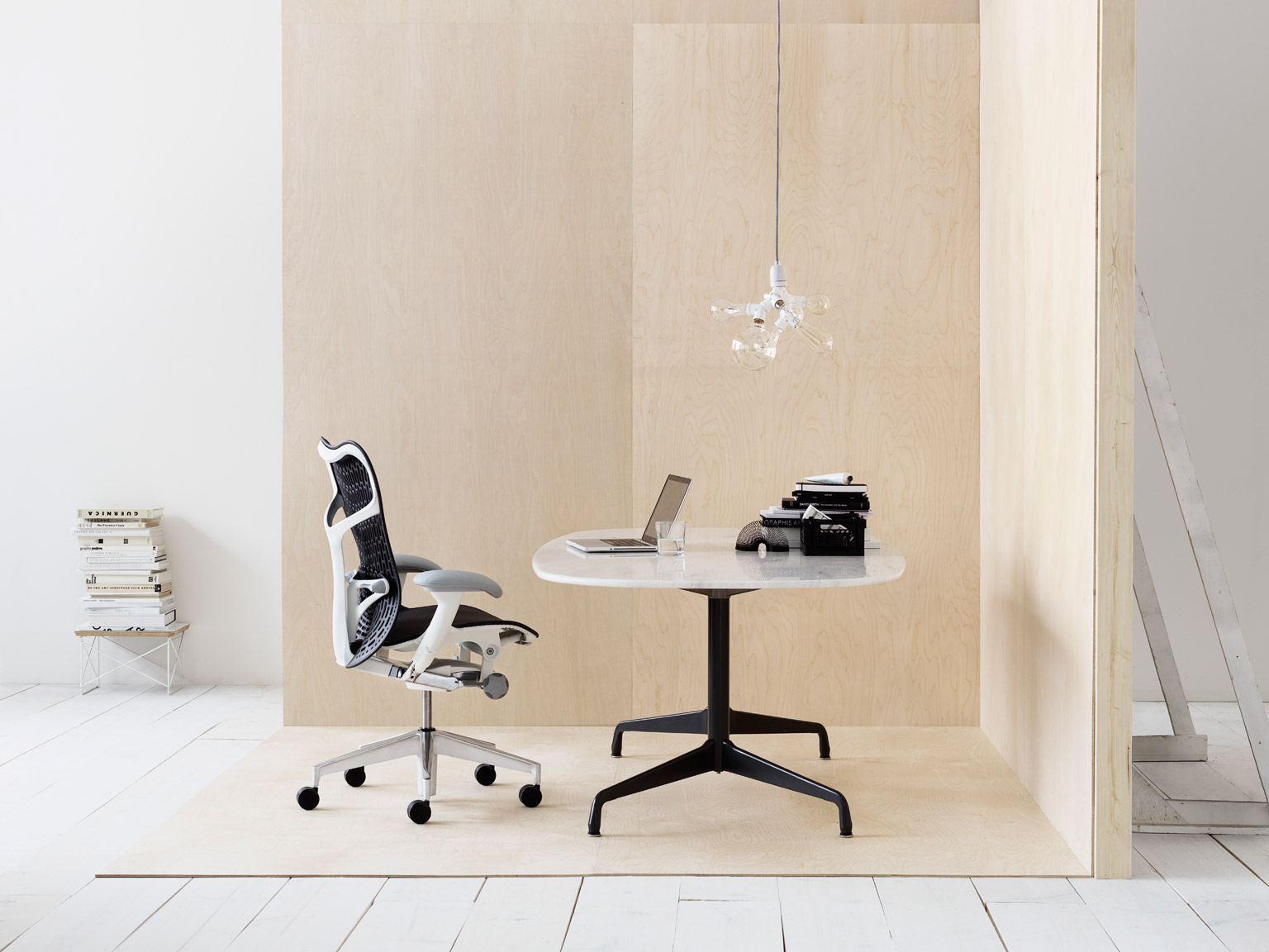 PB_hermanmiller_mirra2